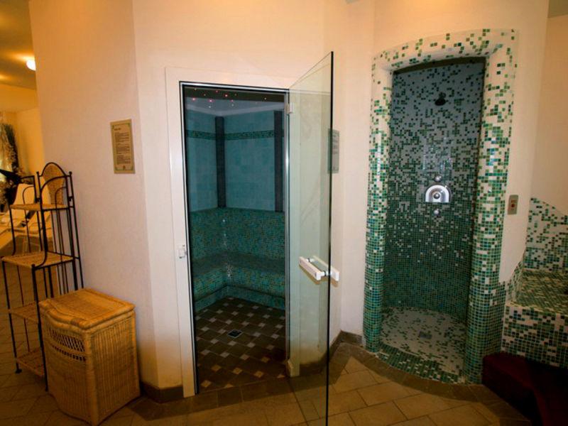 Hotel Lago Nembia