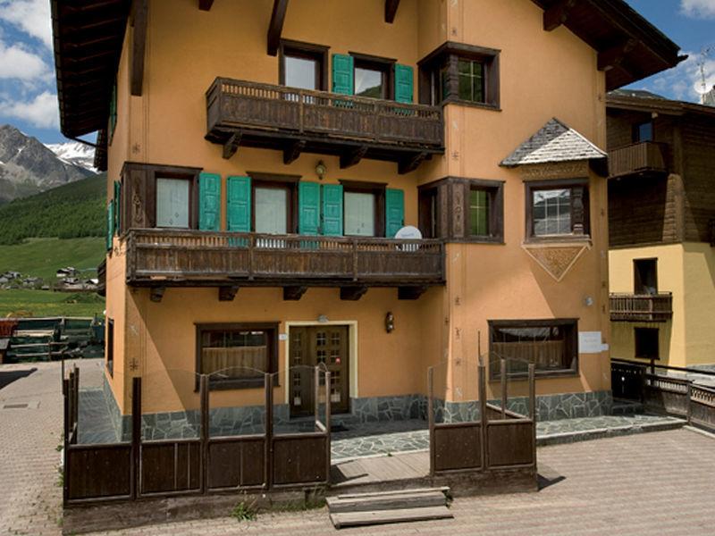 Apt. domy Lago I & II
