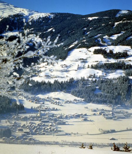 Lyžařské středisko Ried im Zillertal - fotografie